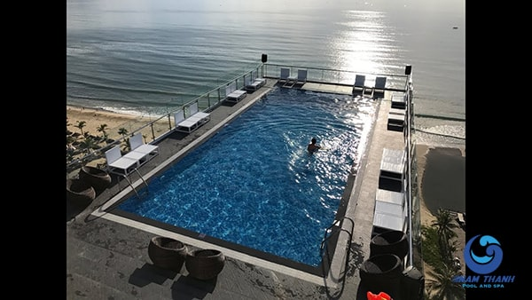 Thiết kế bể bơi trên sân thượng - Ảnh 3