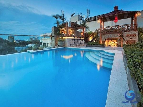 Thiết kế bể bơi trên sân thượng - Ảnh 4